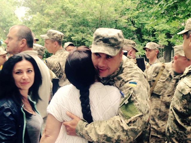 Чергова група військових вирушила на Донбас з Кам'янця - фото 3