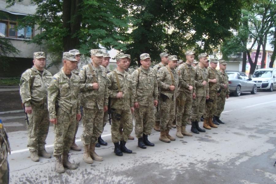 Чергова група військових вирушила на Донбас з Кам'янця - фото 2