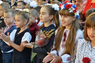 У школах останній дзвінок пролунає 25 травня